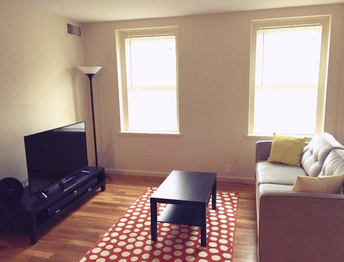 Large and Bright 1 BR / 1 BA in McLean Gardens for Aug 1 | Apply | Cozy