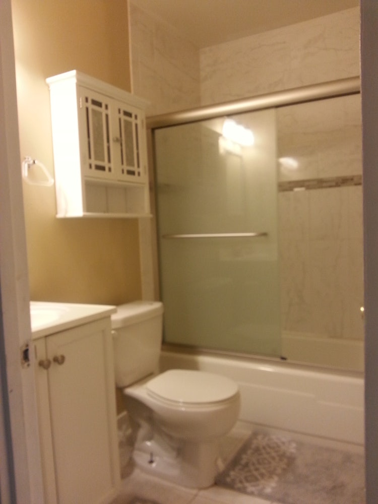 4bed 3 5 2200ft2 Bath Luxury Renovated Townhouse Close To Gmu Fairfax Burke Area Apply Cozy