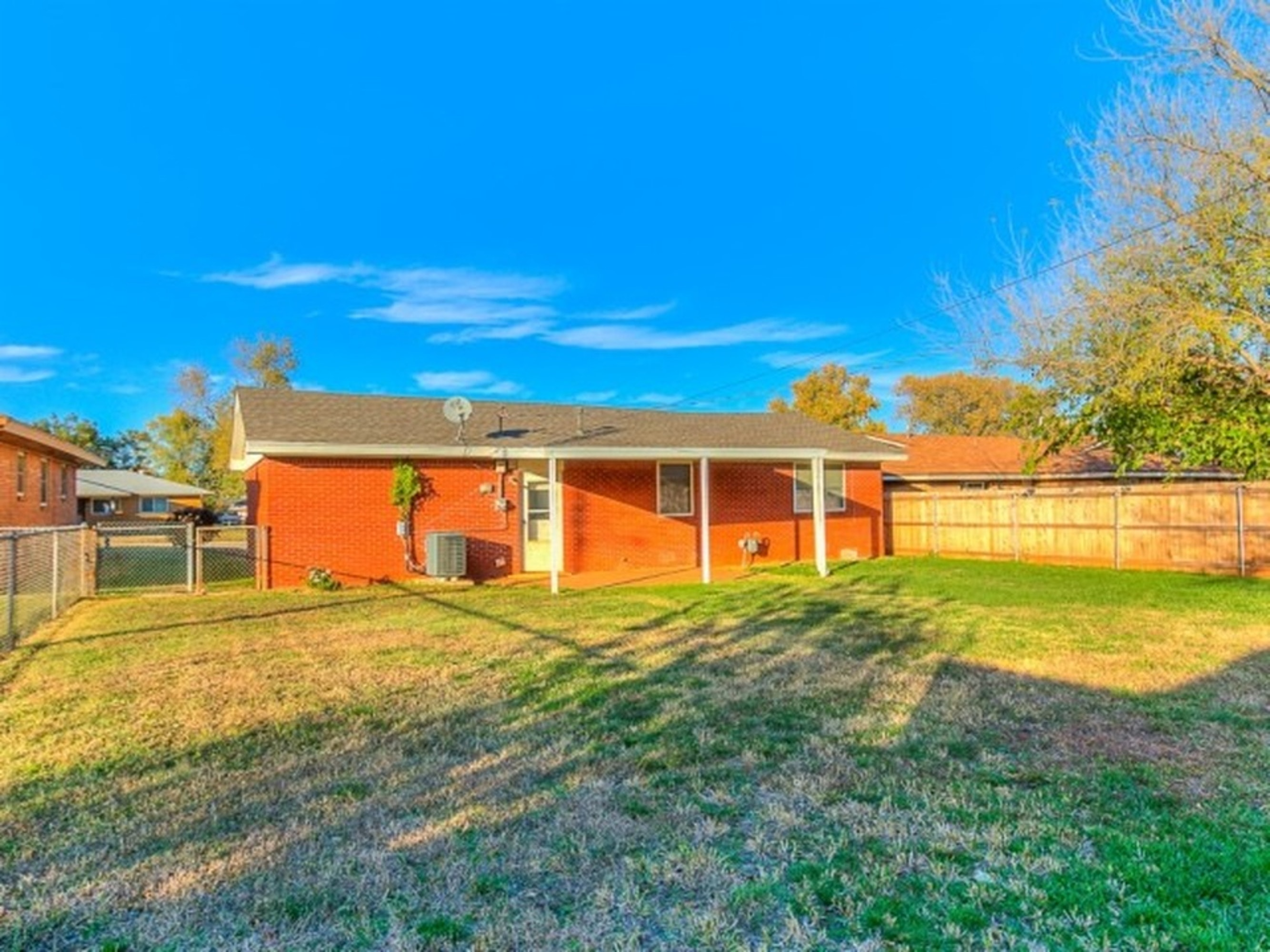 Newly Remodeled 3 Bedroom 1 5 Bath Ranch Style Home In Yukon Ok With Easy Access To I 40